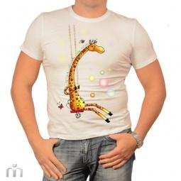 Купить Мужская футболка «Жираф на качелях»
