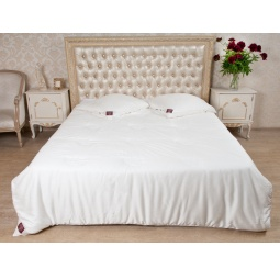 Купить Шелковое всесезонное одеяло Luxury Silk Grass 220х240 см 75180 German Grass