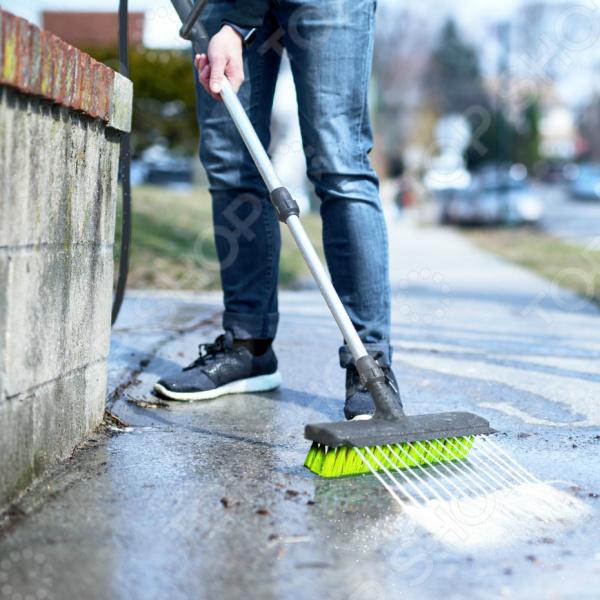 Уличная щетка Rovus с распылителем «Чистый двор» 5